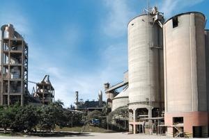 "<div class=""bildtext_en"">10 Sobradinho cement plant in Brazil</div>"