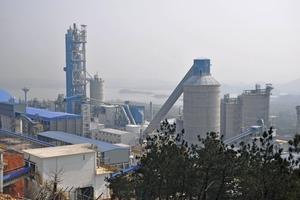 Modernes Weißzementwerk in China