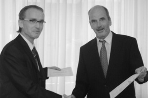 Dr. Detlev Kupper (left), Member of the Board of Polysius AG and Ulrich Leibacher, General Manager of the Elex AG<br />