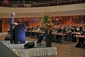 Martin Schneider (VDZ) fasst die technologischen Entwicklungen in der Zementindustrie zusammen