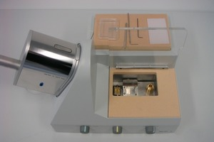 """<span class=""""bildunterschrift_hervorgehoben"""">12</span>Loading Box with VCT 100 Shuttle, by means of HPM 100 frozen sample is loaded onto the sample holder<br />"""