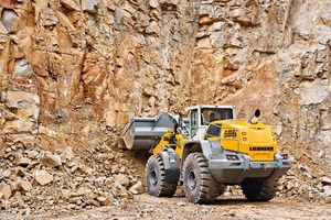 """<div class=""""bildtext_en"""">Larger axles, strengthened lift arms– the robust Liebherr L586XPower wheel loader is ideally suited to challenging work in quarrying</div>"""