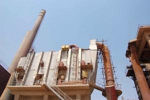 "<span class=""bildunterschrift_hervorgehoben"">8</span>Filter unit at Atbara Cement in Sudan (UNEP)<br />"
