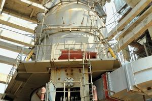 "<div class=""bildtext_en"">Similar Loesche mill type LM 53.3+3 CS in the Binh-Phuoc cement plant, Vietnam</div>"