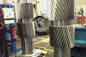 """<div class=""""bildtext_en"""">5 The double helical pinion shafts had to be manufactured to match the old drill patterns of the bolted Stoeckicht planetary stages</div>"""