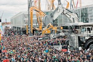 "<div class=""bildtext_en"">This year's bauma was again very well ­attended</div>"