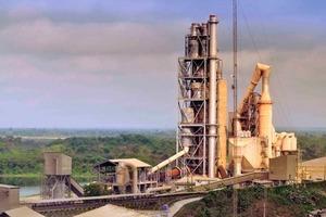 """<span class=""""bildunterschrift_hervorgehoben"""">24</span>Ewekoro cement factory in Nigeria (Lafarge)<br />"""