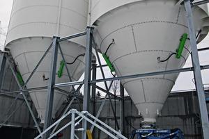 "<div class=""bildtext_en"">1 Matakt air cannons for use on silos containing bulk minerals</div>"