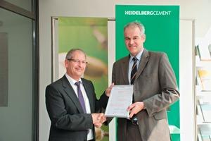 Überreichung des Zertifikats für das Integrierte Managementsystem von HeidelbergCement <br />