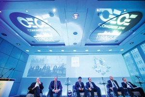 "<div class=""bildtext_en"">The Plenary Session panel</div>"