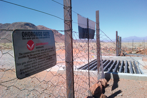 """<div class=""""bildtext_en"""">2 A new motorgate or """"cattle guard"""" allows the removal of internal fences which restrict wildlife movement</div>"""