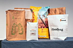 """<div class=""""bildtext_en"""">The innovations entered from left to right: The QuickFill Clean concept by BillerudKorsnäs, Self-dy by dy-pack, Hybris by Gascogne Sacs and the iFoodbag and the Protector Bag (in the background) by Mondi Industrial Bags</div>"""