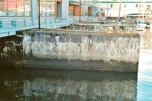 "<span class=""bildunterschrift_hervorgehoben"">35</span>ASR damage to a 65-year old harbour facility (Norway, 2008)<br />"