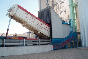 "<span class=""bildunterschrift_hervorgehoben"">1</span>	Intake from truck at CEMEX Tilbury using the SAMSON™ Surface Feeder<br />"