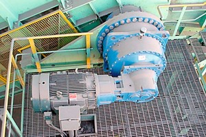 8 Planetary and helical reduction gear (photo Aumund)