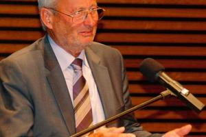 Prof. Dr.-Ing. Jochen Stark<br />