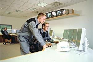 1 Control center in the Rohrdorf Cement Works • Schaltwarte im Zementwerk Rohrdorf<br />