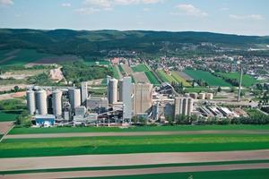 """<div class=""""bildtext_en"""">LafargeHolcim's plant in Mannersdorf/Austria</div>"""