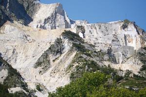 "<div class=""bildtext_en"">Marble quarry, Carrara/Italy</div>"