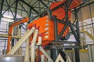 7Mogensen Sizer with spreader feeder in the mixing tower<br />