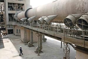 """<span class=""""bildunterschrift_hervorgehoben"""">10</span>Hima cement factory in Uganda (Lafarge)<br />"""
