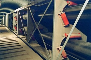 "<div class=""bildtext_en"">6 The Beumer tube belt conveyor in the upper tunnel</div>"