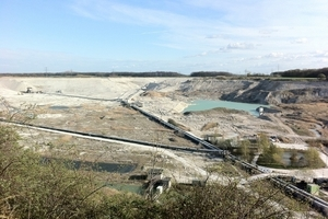 ONLINE+: Raw material extraction in the quarry • Rohmaterialgewinnung im Steinbruch