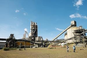"<div class=""bildtext_en"">11 Ijaci cement plant in Brazil</div>"