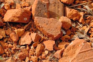 "<div class=""bildtext_en"">Mineral break from brick production</div>"