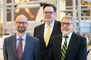 """<div class=""""bildtext_en"""">Wolfgang Tabbert goes into retirement. <br />His successors are Dr. Stefan Puntke and <br />Dr. Christian Meyre (f.r.t.l.)</div>"""