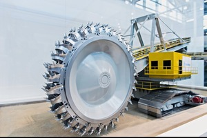 "<div class=""bildtext_en"">The new bucket wheel excavator</div>"