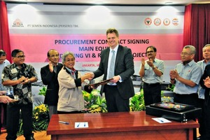 "<div class=""bildtext_en"">Munadi Arifin and Stephan Oehme signing the contract for PT Semen Indonesia´s Indarung plant </div>"
