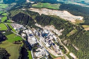 "<div class=""bildtext_en"">2 The W&amp;P cement plant in Wietersdorf/Austria</div>"
