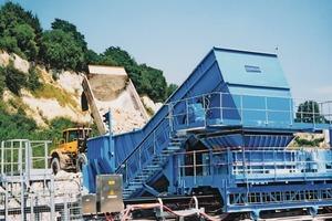 "<div class=""bildtext_en"">Example of a Samson Material Feeder in a quarry</div>"