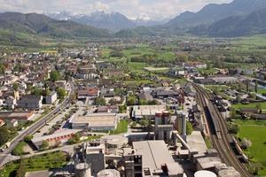 """<div class=""""bildtext_en"""">6 Aerial view of Kirchdorfer Zementwerk</div>"""