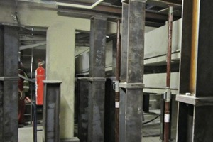 """<div class=""""bildtext_en"""">3 The building basement in the cement plant was reinforced with 20t of steel structure to assure safe removal of the main gearwheel</div>"""