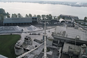 "<div class=""bildtext_en"">2 Raw materials as limestone, gypsum, some silica sources, coal and petcoke comes in by barge and is stored partly in sheds close to the banks of the Fraser River</div>"