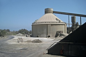 """<div class=""""bildtext_en"""">1 The new silo will be adjacent to the existingone</div>"""