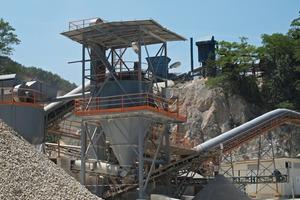 Fördereinrichtungen im Holcim-Zementwerk Koromacno (Istrien/Kroatien)<br />