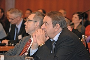"<div class=""bildtext_en"">3 Reinhard Trettin and Horst-Michael Ludwig were fascinated by the lecturers</div>"
