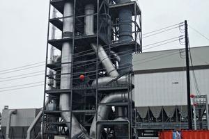 "<div class=""bildtext_en"">The plant tour to the Ash Grove cement plant in Midlothian, TX took place under rainy conditions</div>"