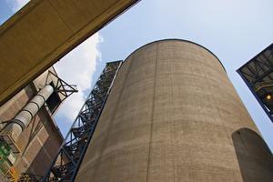 """<div class=""""bildtext_en"""">3 The LafargeHolcim cement plant in Nobsa/Colombia</div>"""