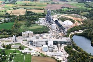 """<div class=""""bildtext_en"""">13 Union Bridge cement plant in the USA</div>"""