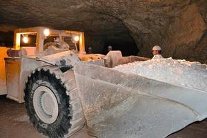 2 Underground transportation by boulder transporter