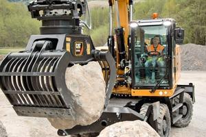 "<div class=""bildtext_en"">The new Cat<sup>®</sup> M318F and M320F wheel excavators </div>"