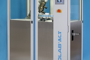 "<div class=""bildunterschrift_en"">The POLAB ACT laboratory automation system is included in the supply</div>"