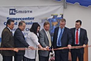 """<div class=""""bildunterschrift_en"""">The new supercenter in Santiago was opened by a ribbon cutting.</div>"""