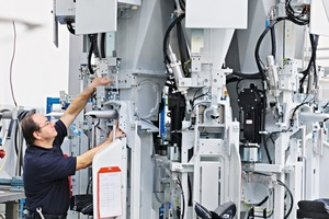 """<div class=""""bildtext_en"""">2 Regular maintenance helps ensure a reliable and smooth plant and machine operation</div>"""
