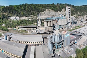 "<div class=""bildtext_en"">The integrated cement production plant with its five stage precalciner plant from W&amp;P Zement in Wieterdorf/Austria</div>"