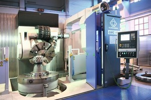 """<div class=""""bildunterschrift_en""""><span class=""""bu_ziffer_blau"""">4</span> The spiral bevel gear machining centre Klingelnberg GMC 160</div>"""